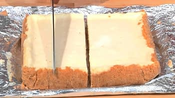 Trick to Cutting Cheesecake Bars: Sweet Recipes